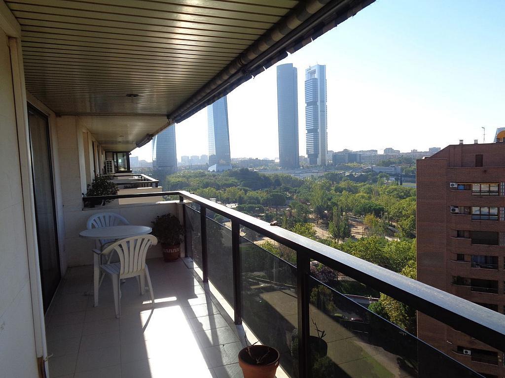 Piso en alquiler en calle Julio Palacios, Fuencarral-el pardo en Madrid - 352778167
