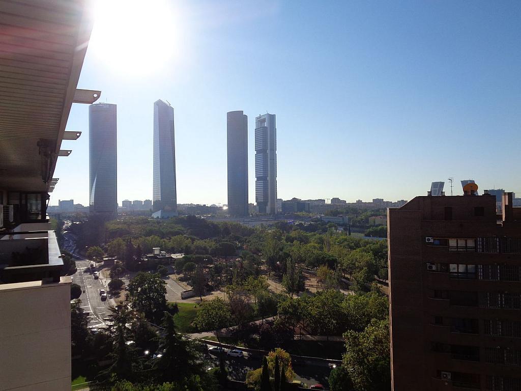 Piso en alquiler en calle Julio Palacios, Fuencarral-el pardo en Madrid - 352778173