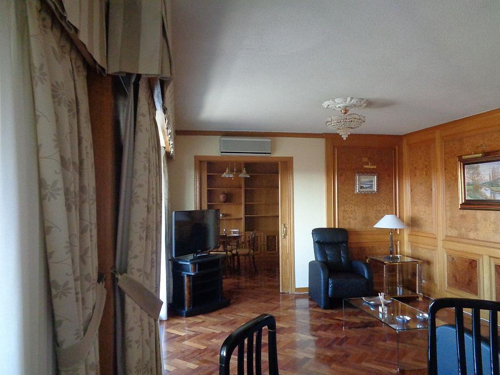 Piso en alquiler en calle Julio Palacios, Fuencarral-el pardo en Madrid - 352778188