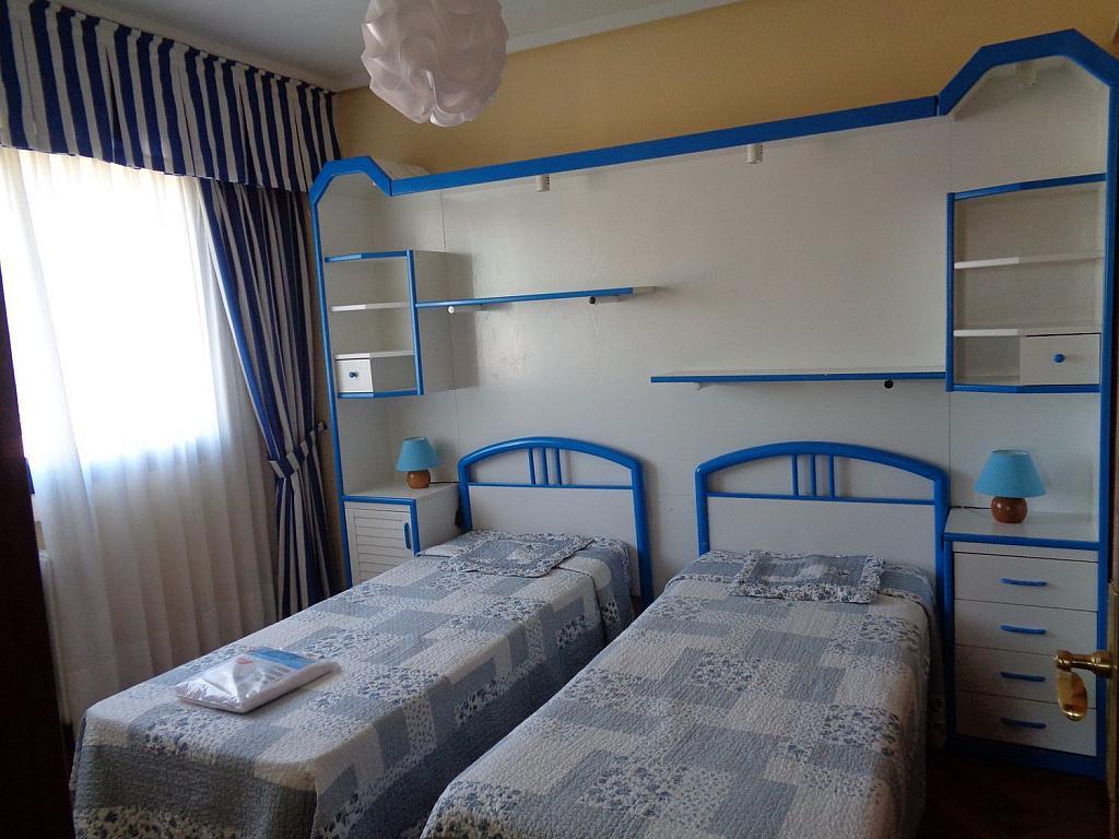 Piso en alquiler en calle Julio Palacios, Fuencarral-el pardo en Madrid - 352778239