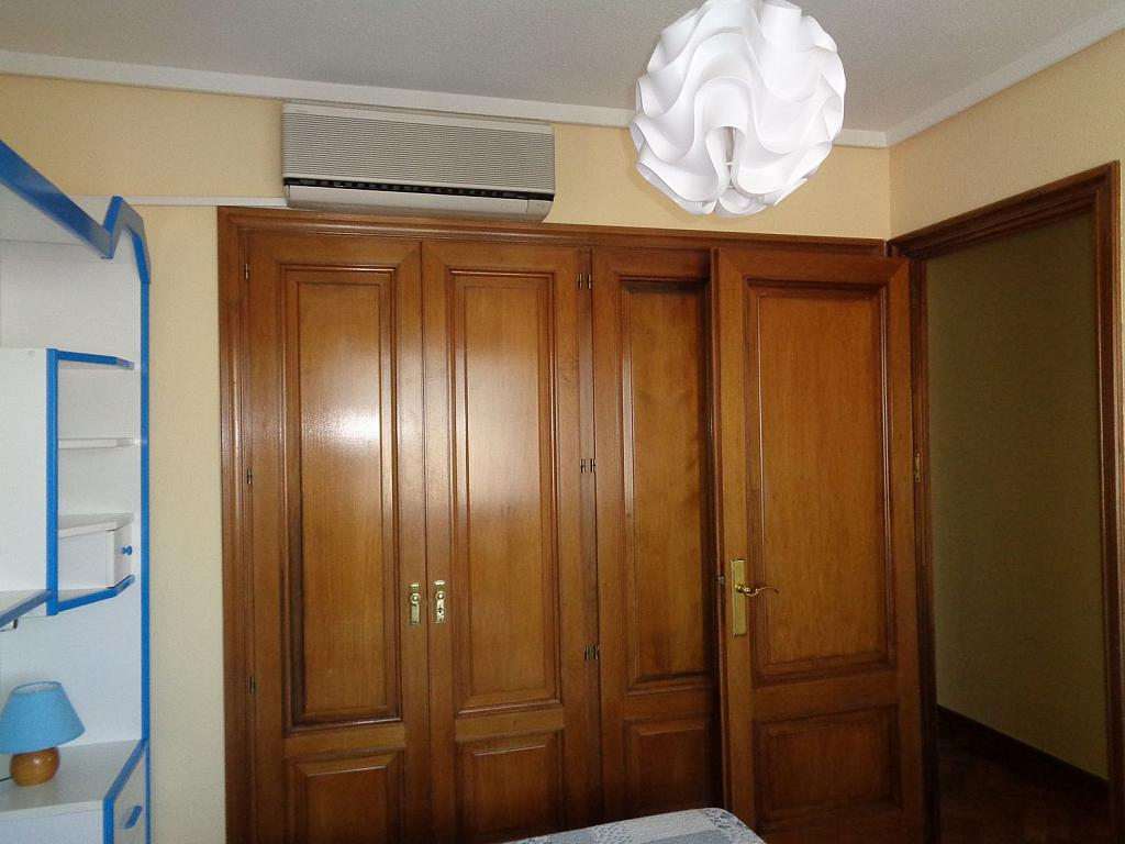 Piso en alquiler en calle Julio Palacios, Fuencarral-el pardo en Madrid - 352778242