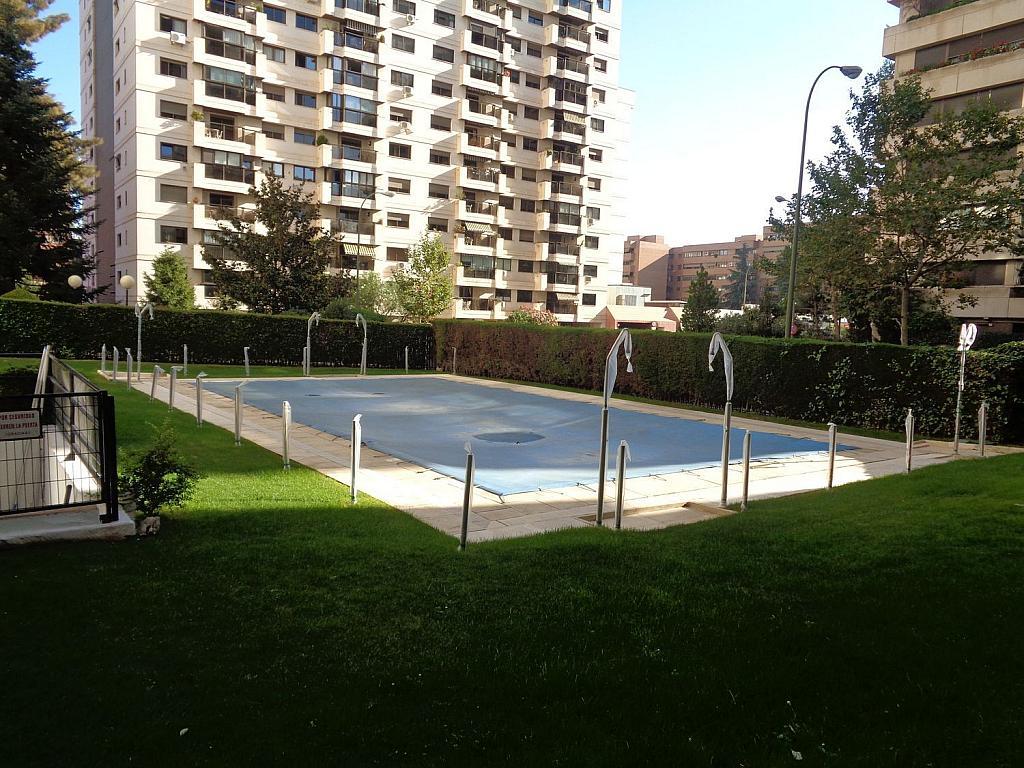 Piso en alquiler en calle Julio Palacios, Fuencarral-el pardo en Madrid - 352778269