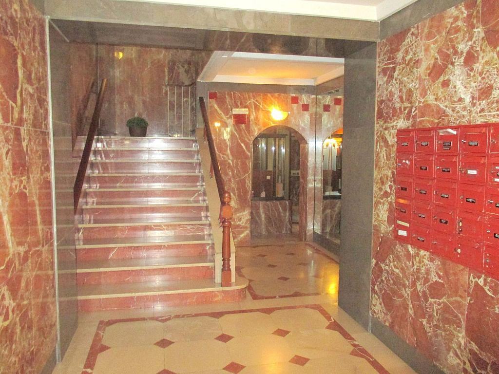 Oficina en alquiler en calle De Isaac Peral, Chamberí en Madrid - 358658029
