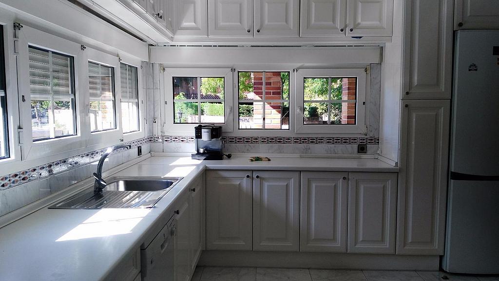Casa en alquiler en calle Luis de la Mata, Palomas en Madrid - 358738981