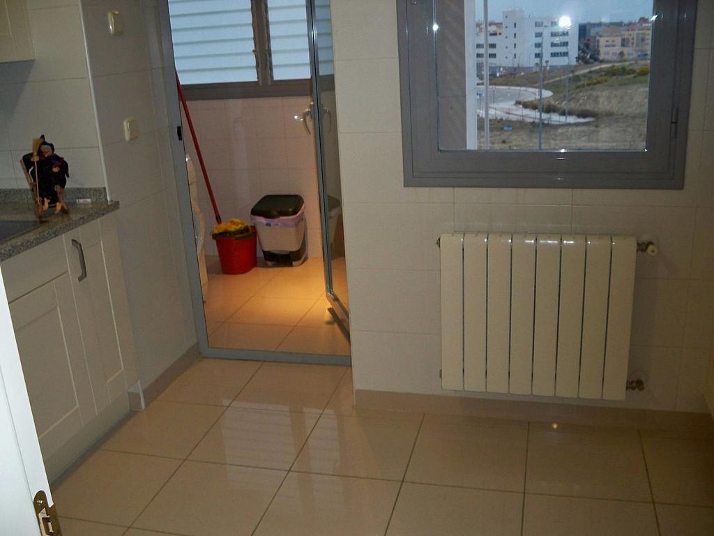 Piso en alquiler en Barajas en Madrid - 332073711
