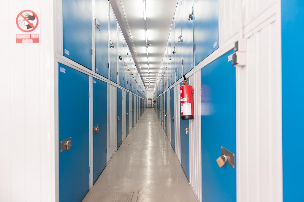 Trastero en alquiler en travesía Industrial, Bellvitge en Hospitalet de Llobregat, L´ - 325830539