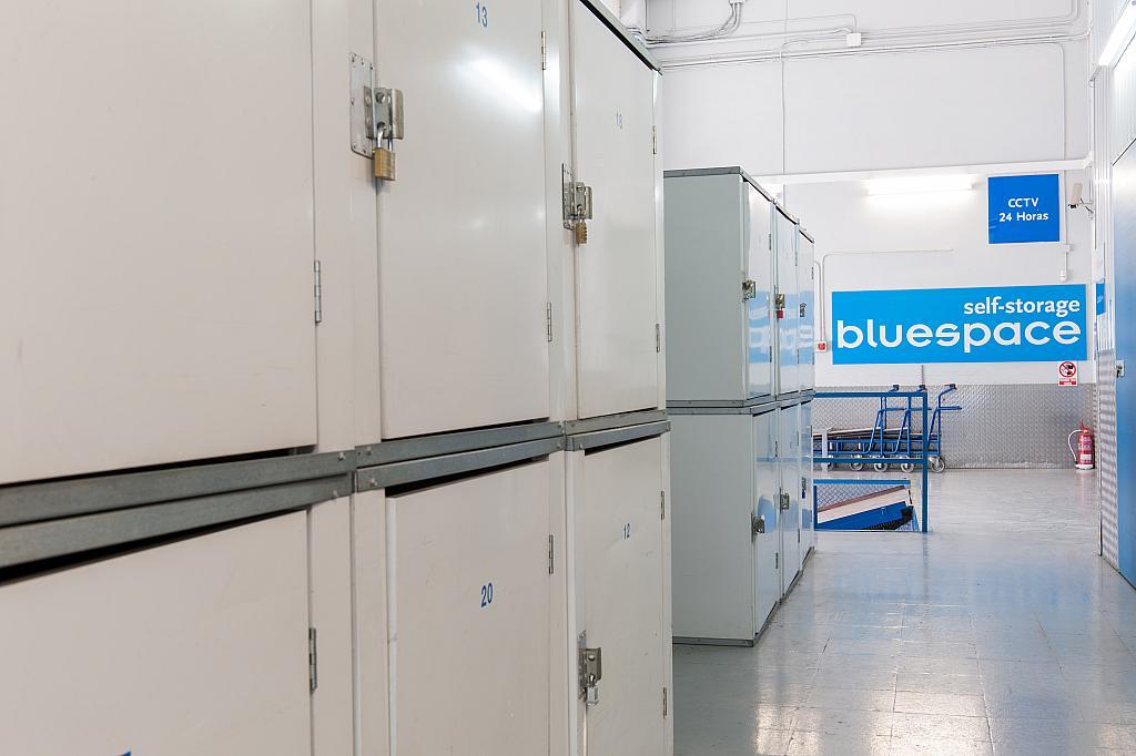 Trastero en alquiler en travesía Industrial, Bellvitge en Hospitalet de Llobregat, L´ - 325830543
