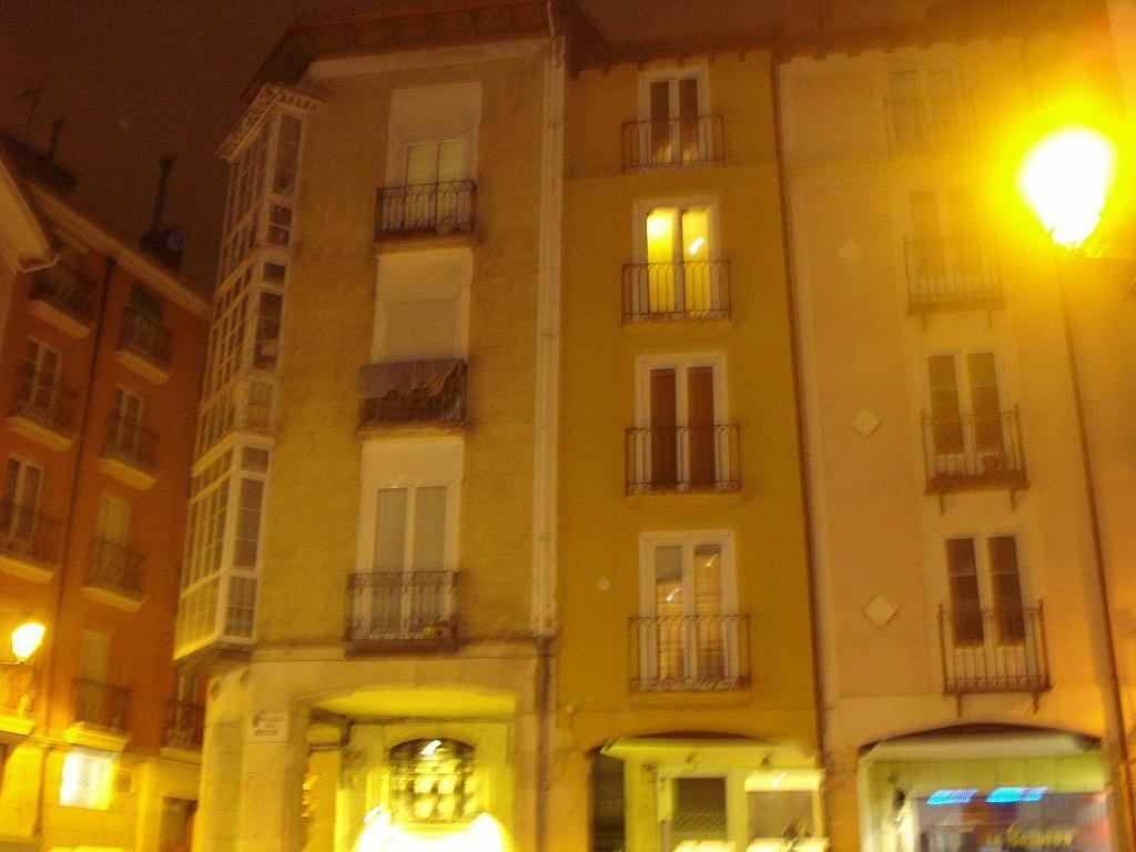 Piso en venta en travesía Del Mercado, Burgos - 364875625
