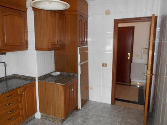 Apartamento en alquiler en calle Rosalía de Castro, Ames - 343333465