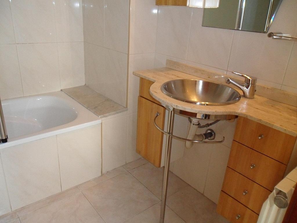 Piso en alquiler en calle Rafael Soler, Poble nou en Vilafranca del Penedès - 328499707