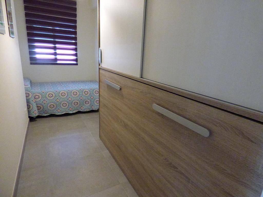 Dormitorio - Piso en alquiler en calle Toré Toré, Torre del mar - 303865746