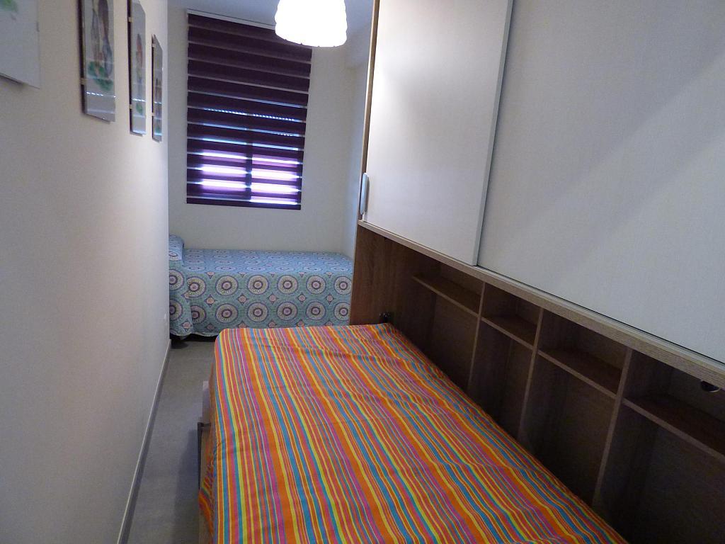 Dormitorio - Piso en alquiler en calle Toré Toré, Torre del mar - 303865765