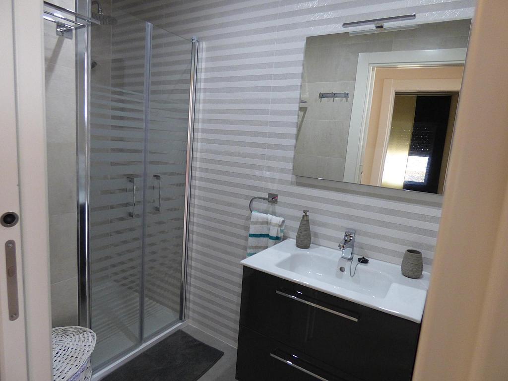 Baño - Piso en alquiler en calle Toré Toré, Torre del mar - 303865773