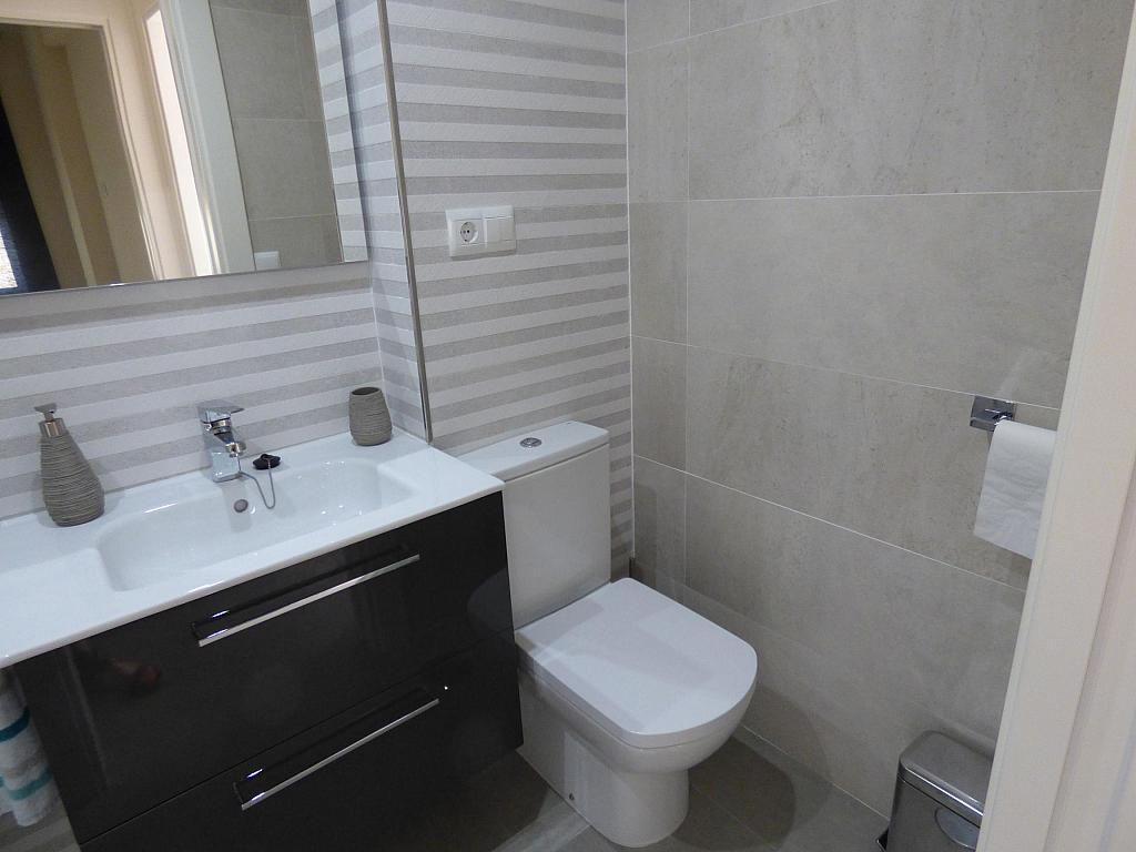 Baño - Piso en alquiler en calle Toré Toré, Torre del mar - 303865779