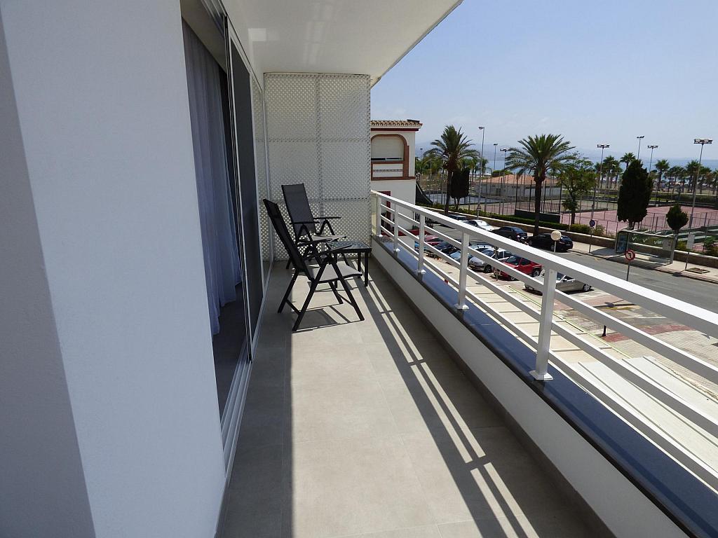 Terraza - Piso en alquiler en calle Toré Toré, Torre del mar - 303865916