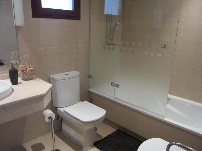 Baño - Piso en alquiler en calle Mar Cantabrico, Torre del mar - 116564367