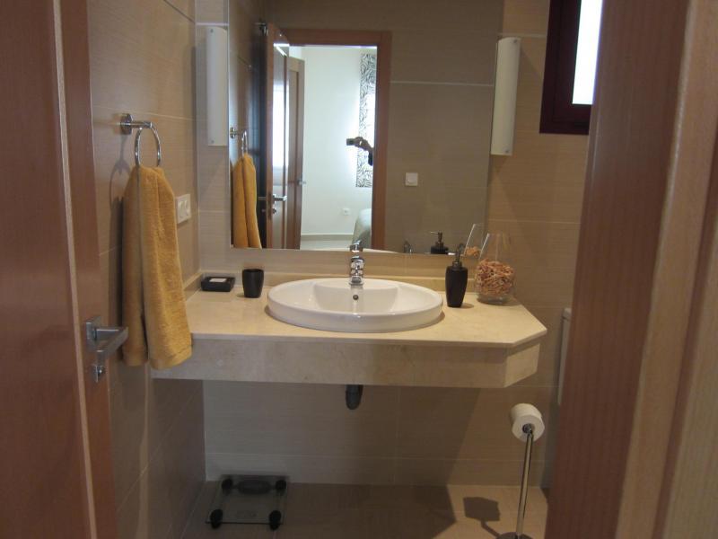 Baño - Piso en alquiler en calle Mar Cantabrico, Torre del mar - 116564381