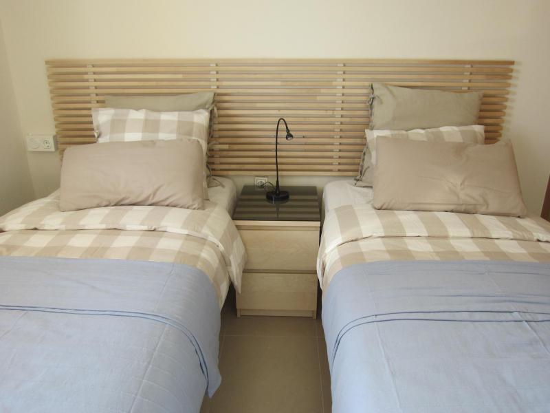 Dormitorio - Piso en alquiler en calle Mar Cantabrico, Torre del mar - 116564524