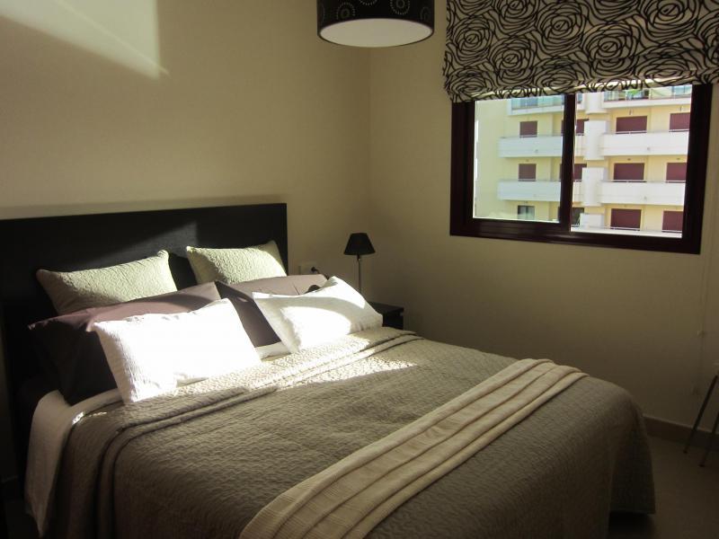 Dormitorio - Piso en alquiler en calle Mar Cantabrico, Torre del mar - 116564558