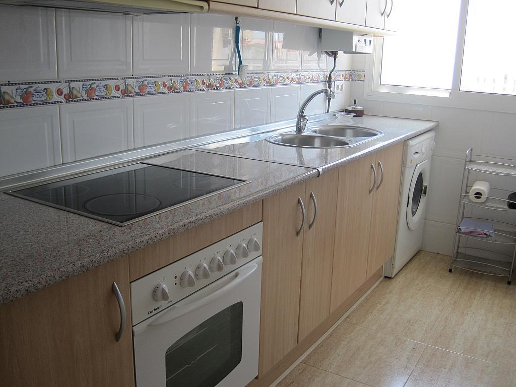Piso en alquiler en calle Azucarera, Torre del mar - 133935821