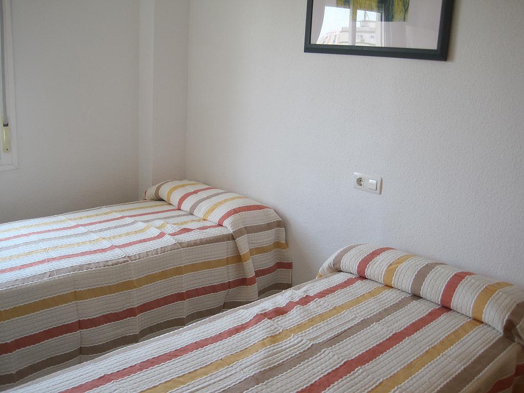 Piso en alquiler en calle Azucarera, Torre del mar - 133935896