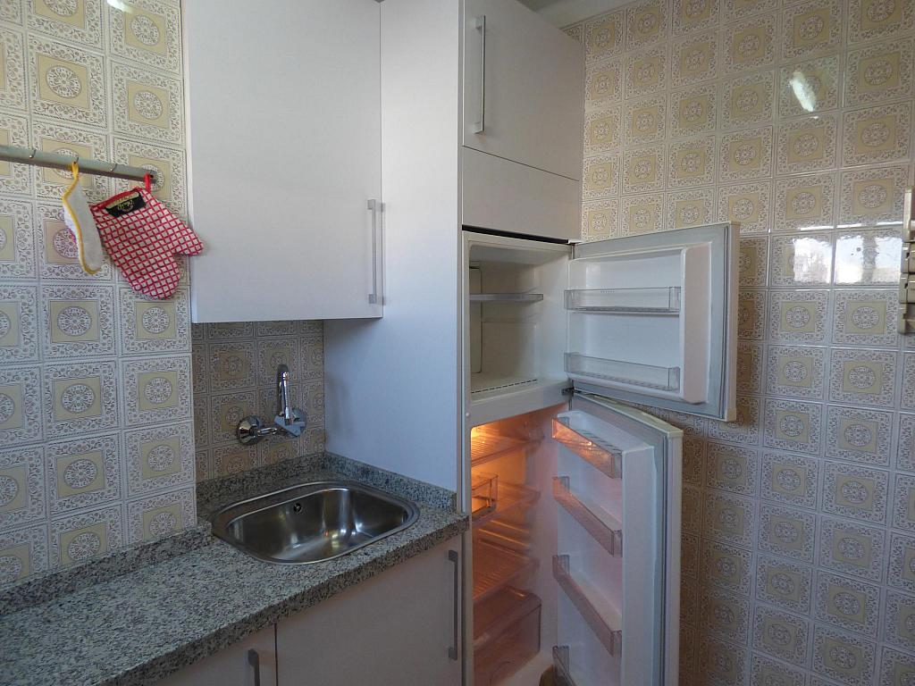 Cocina - Piso en alquiler en calle Infantes, Torre del mar - 172885348