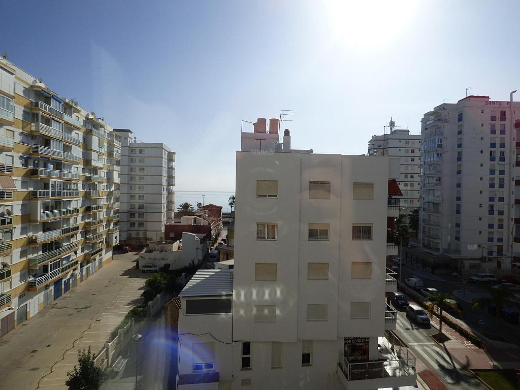 Piso en alquiler en calle Toré Toré, Torre del mar - 239791710