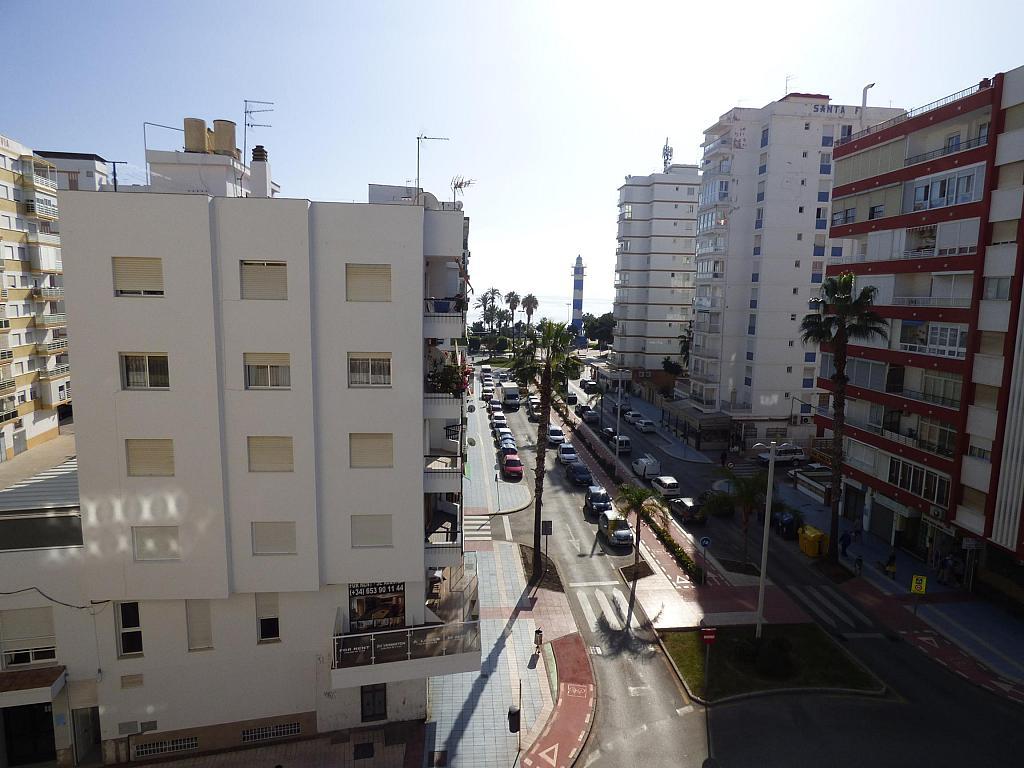 Piso en alquiler en calle Toré Toré, Torre del mar - 239791954