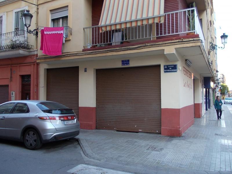 Local comercial en alquiler en calle Antonio Juan, El Cabanyal- El Canyamelar en Valencia - 56637510