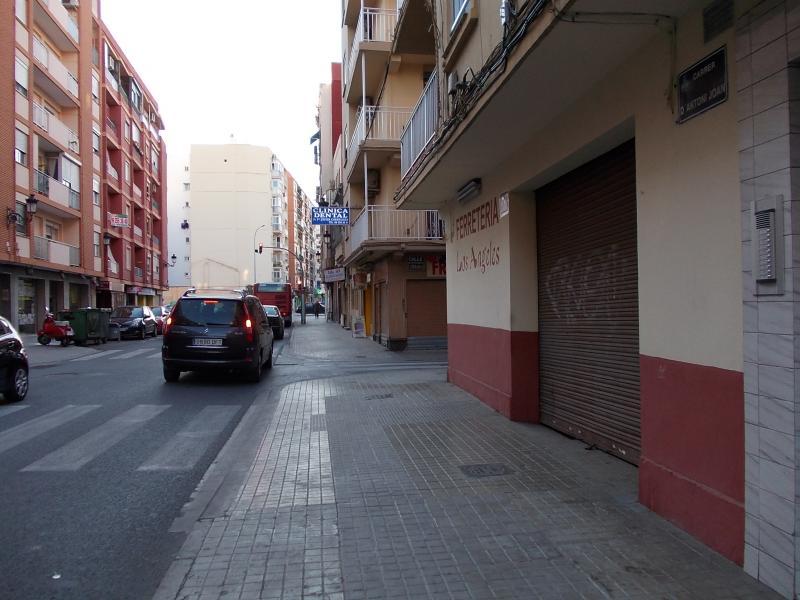 Local comercial en alquiler en calle Antonio Juan, El Cabanyal- El Canyamelar en Valencia - 56637538