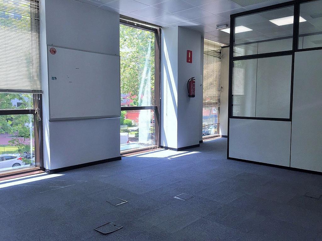 Oficina en alquiler en calle De Caleruega, Costillares en Madrid - 341277023