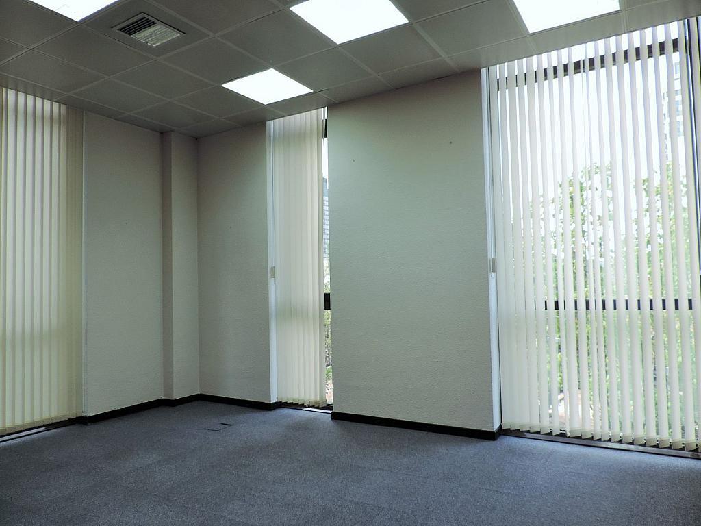 Oficina en alquiler en calle De Caleruega, Costillares en Madrid - 341277065