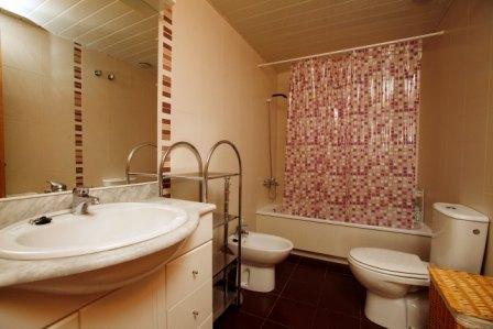 Baño - Piso en alquiler en calle Pobla de Claramunt, Igualada - 70242339
