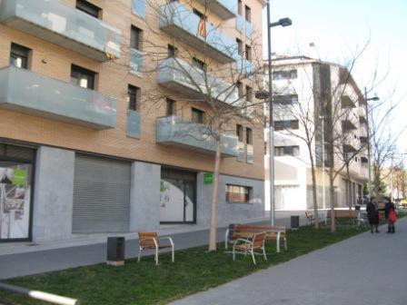 Local comercial en alquiler en calle Andorra, Poble Sec en Igualada - 111293176