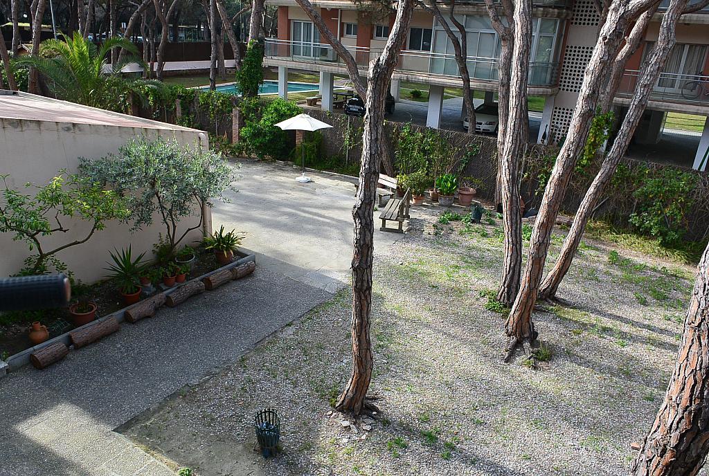 Jardín - Piso en alquiler de temporada en Gavà Mar en Gavà - 274746371