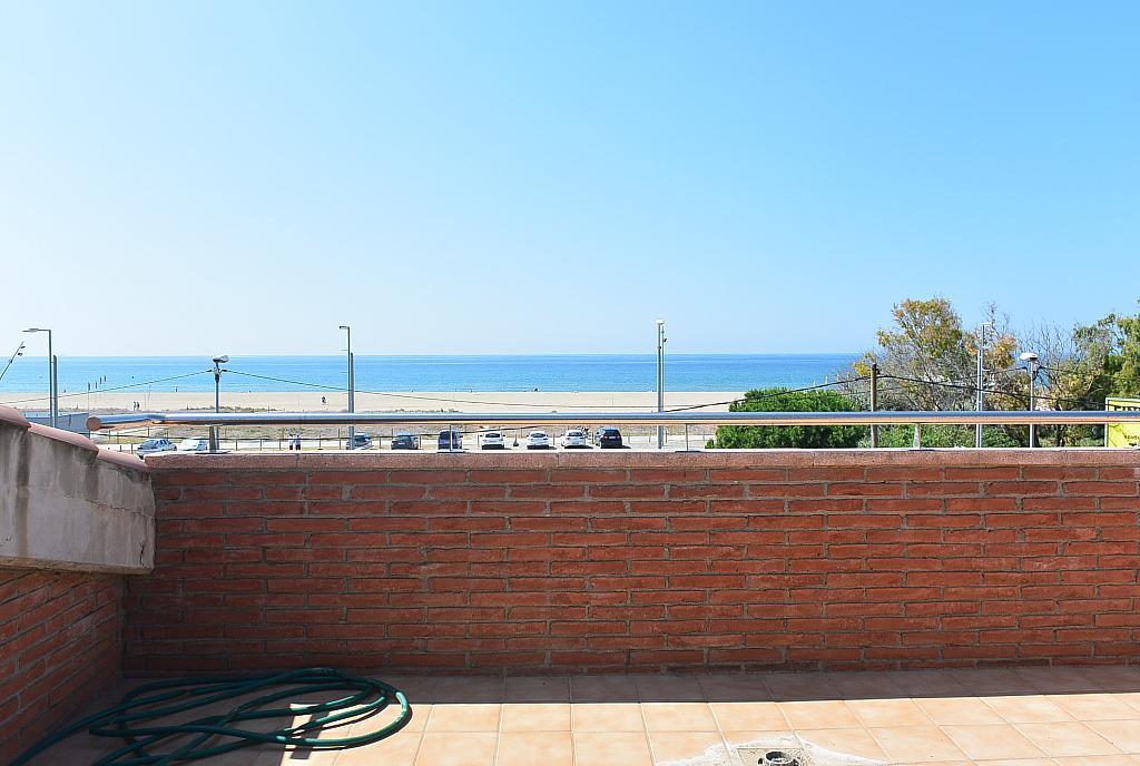 Terraza - Casa en alquiler en Playa en Castelldefels - 283182821