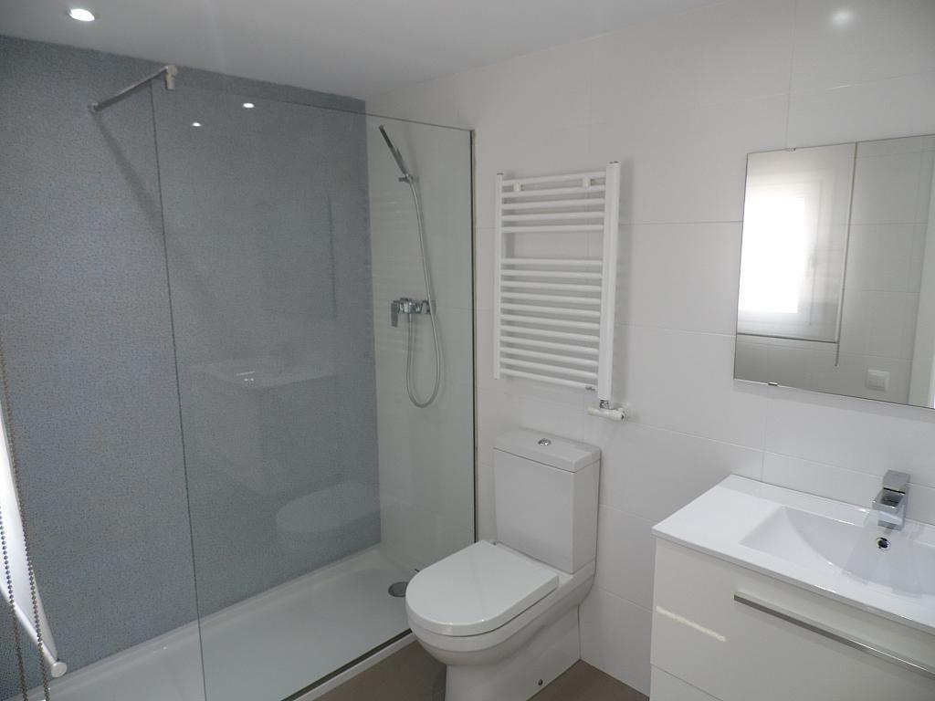 Baño - Casa en alquiler en Playa en Castelldefels - 285674973