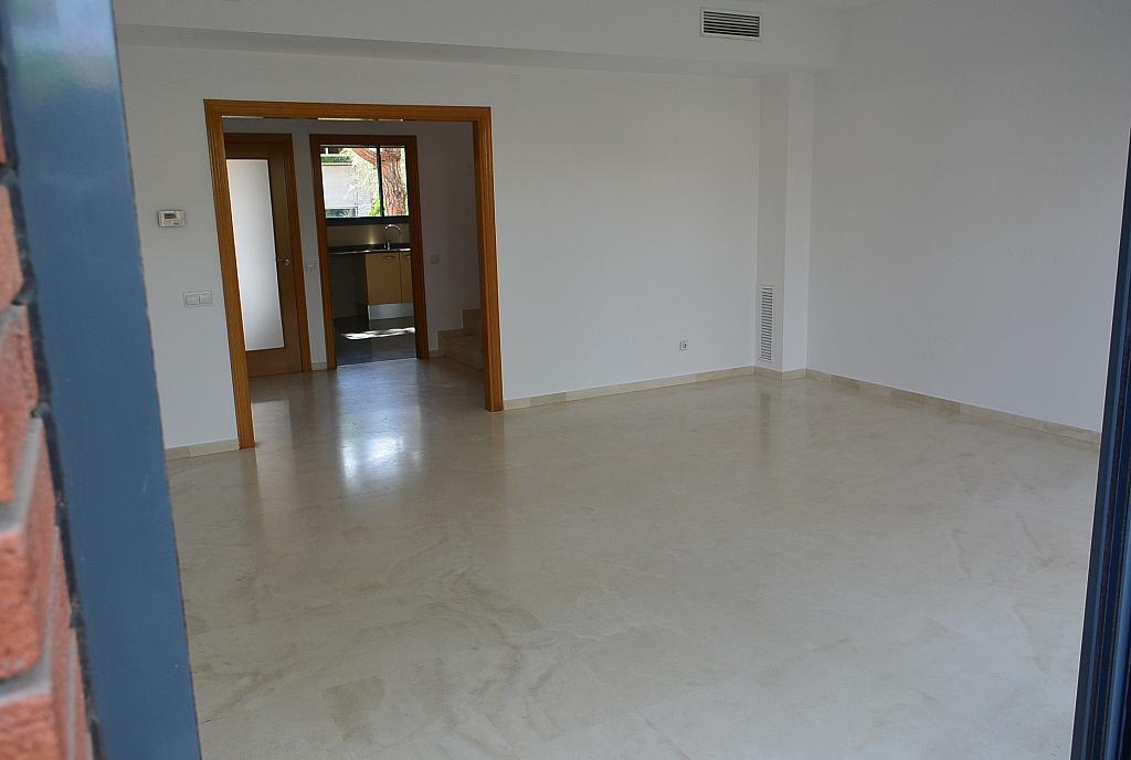 Salón - Casa en alquiler en Gavà Mar en Gavà - 328540554