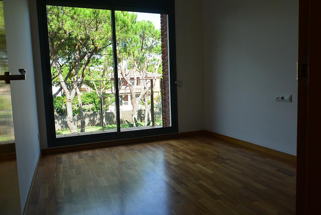 Dormitorio - Casa en alquiler en Gavà Mar en Gavà - 328540627