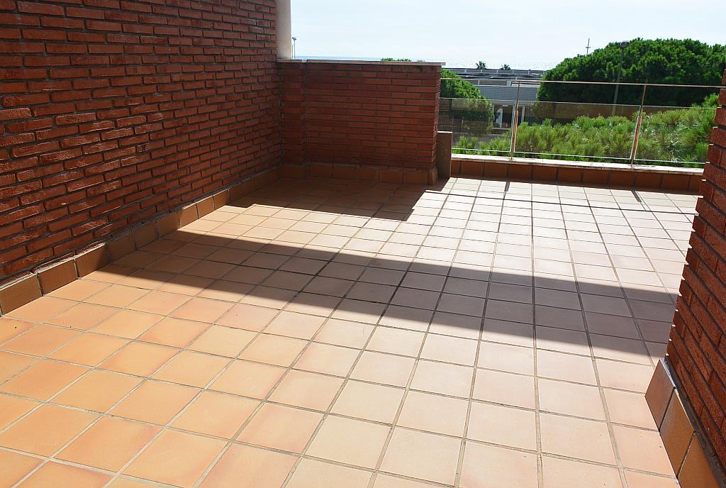 Terraza - Casa en alquiler en Gavà Mar en Gavà - 328540665