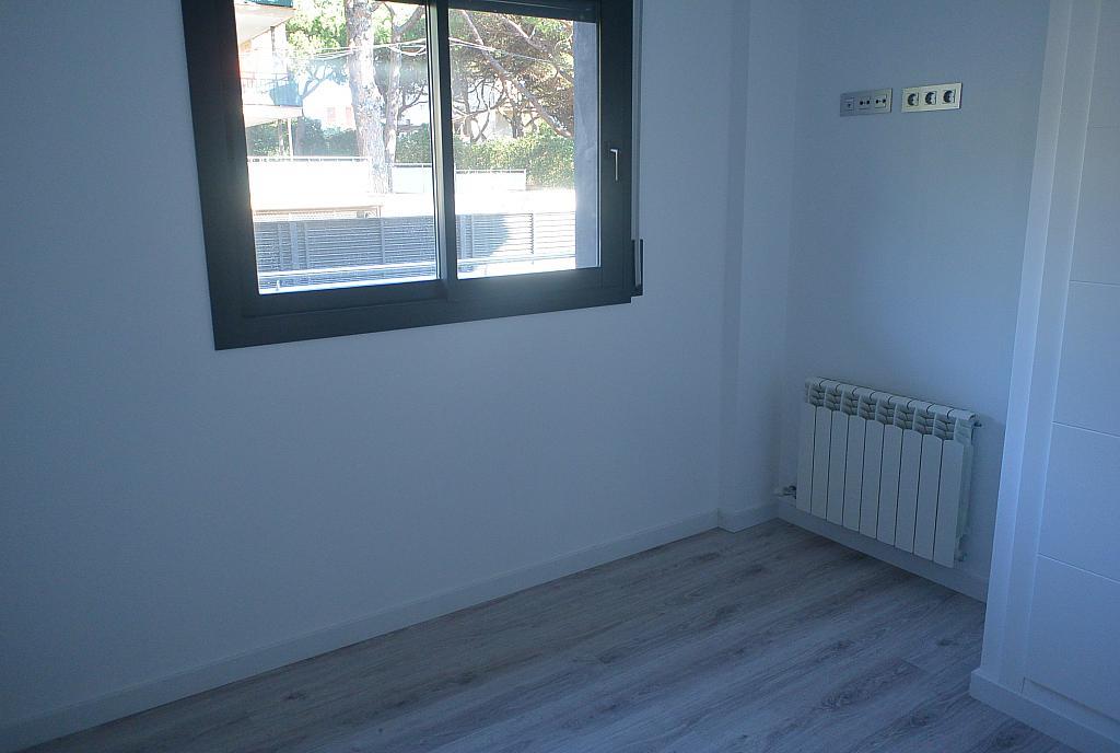 Dormitorio - Piso en alquiler en Playa en Castelldefels - 227890864