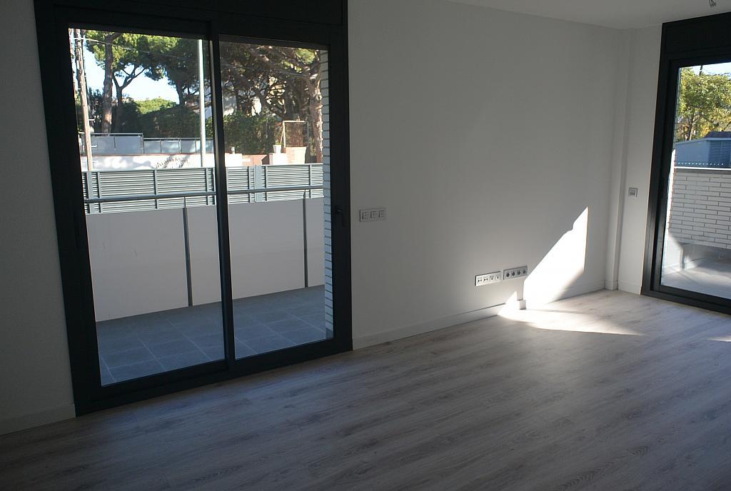 Salón - Piso en alquiler en Playa en Castelldefels - 227890897