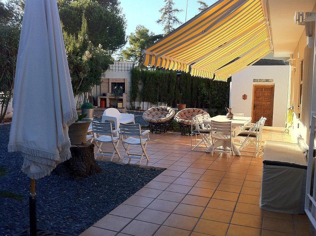 Chalet en alquiler en calle La Vallesa, Cañada, La - 242427148