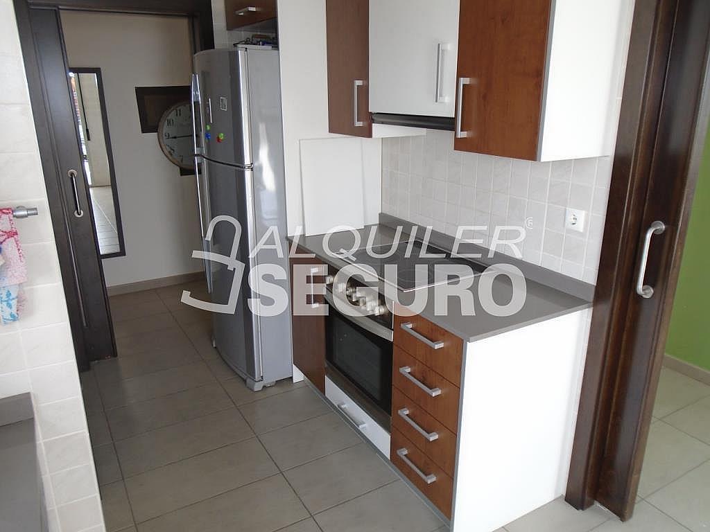 Ático en alquiler en calle Albacete, Elche/Elx - 281347666