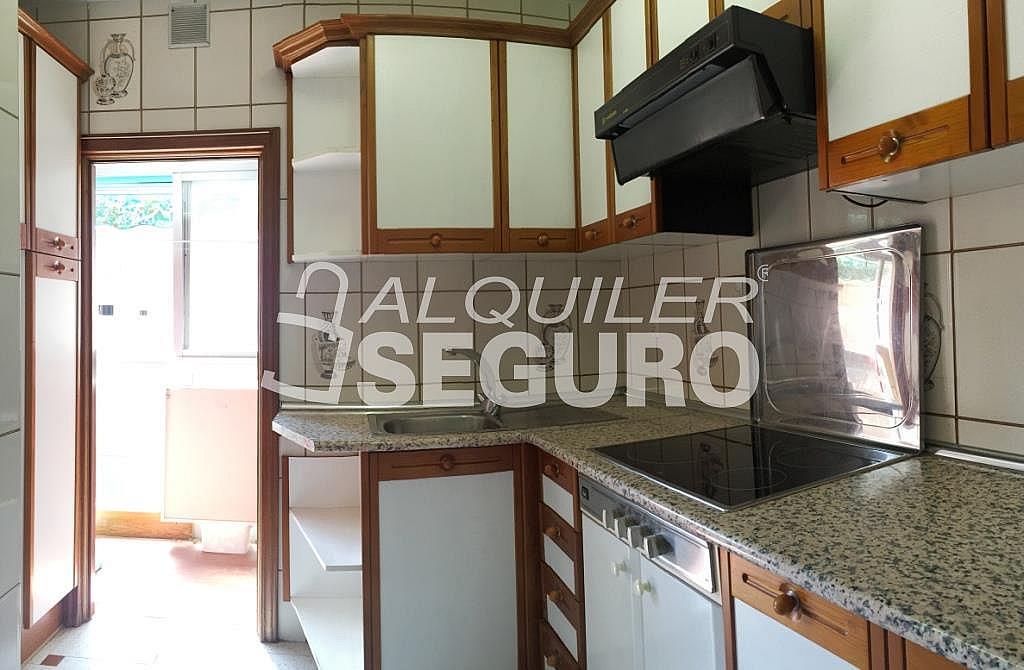 Piso en alquiler en calle Arechavaleta, Los Ángeles en Madrid - 332297233