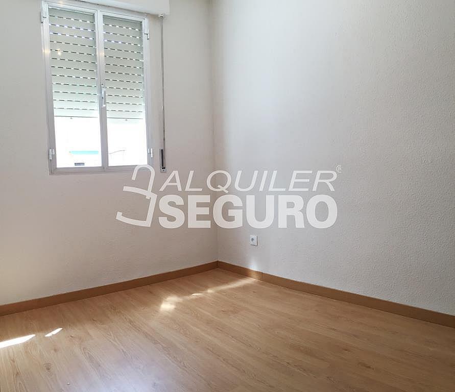 Piso en alquiler en calle Arechavaleta, Los Ángeles en Madrid - 332297242