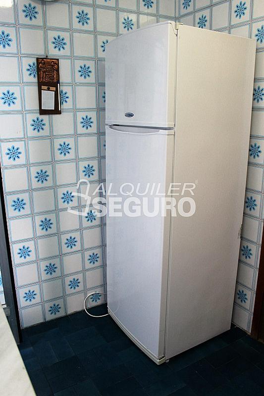Piso en alquiler en calle Pere Cabanes, Torrefiel en Valencia - 316591511