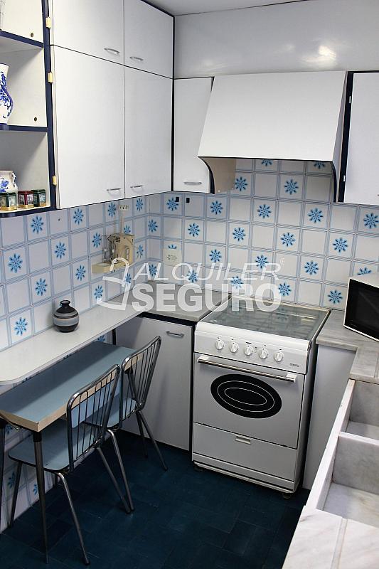 Piso en alquiler en calle Pere Cabanes, Torrefiel en Valencia - 316591517