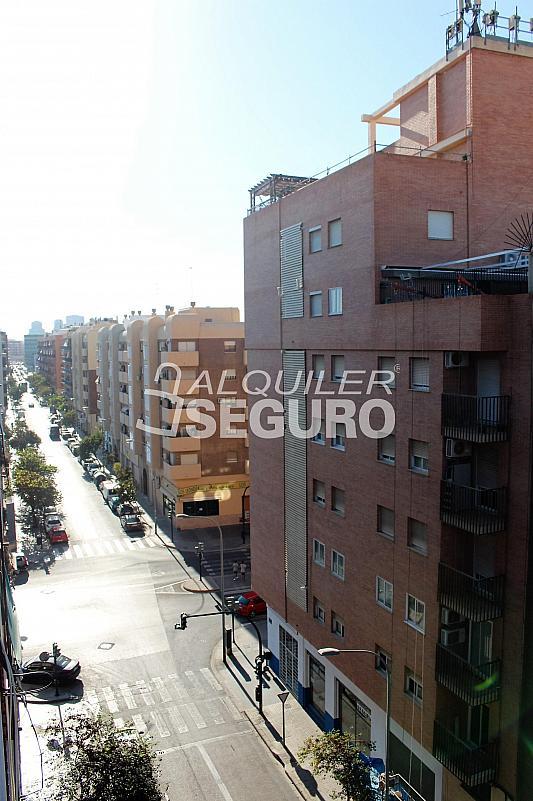 Piso en alquiler en calle Pere Cabanes, Torrefiel en Valencia - 316591529