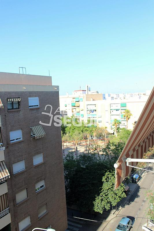 Piso en alquiler en calle Pere Cabanes, Torrefiel en Valencia - 316591532